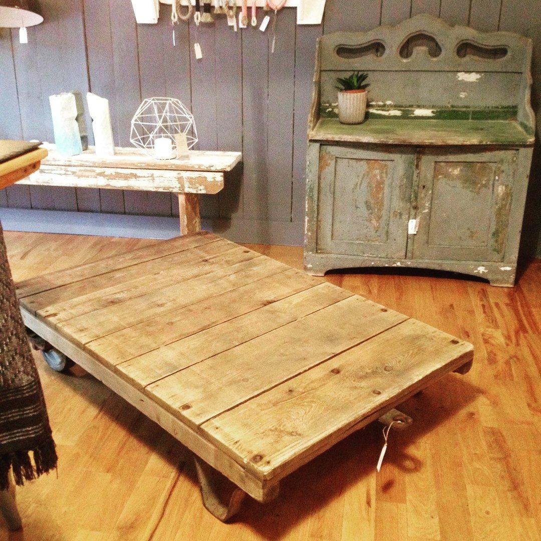 industrie tisch maywald design. Black Bedroom Furniture Sets. Home Design Ideas